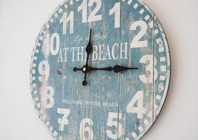 Beach o'clock
